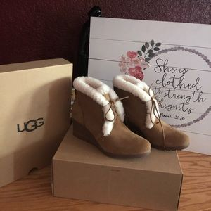 NWT UGG Jeovana Winter Boot size 8